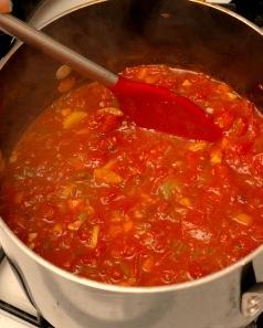 garden veg spag sauce in pot