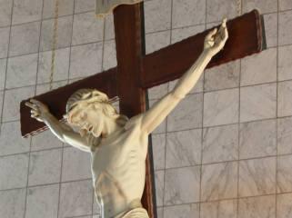 crucifx regina mundi
